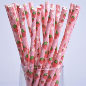 Sugerør med jordbær